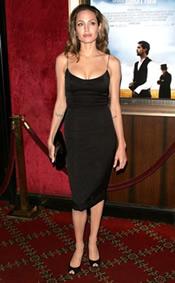 Angelinajolieblackdress